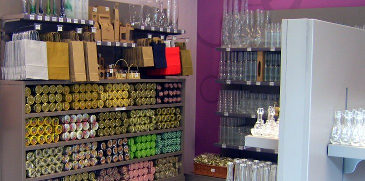 Prodaja steklene, pločevinaste in kartonske embalaže.